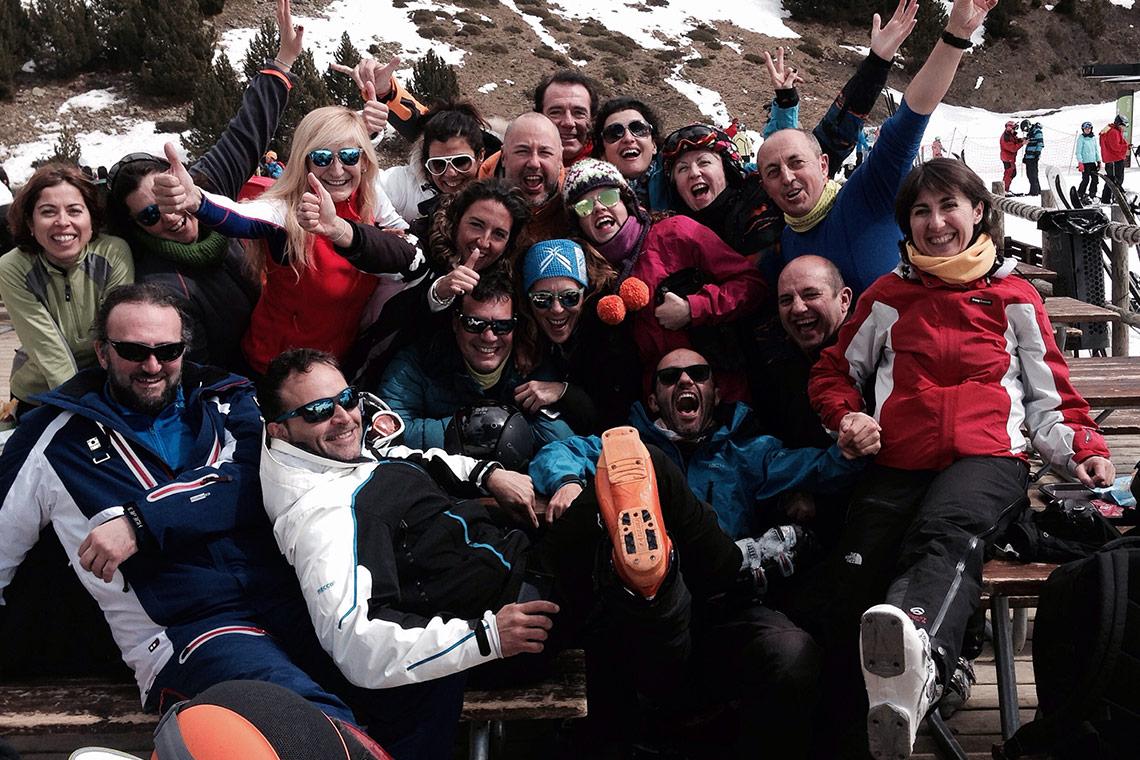 Descubre los mejores viajes de esquí y snow con los que conocer a gente