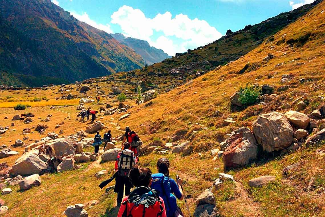Descubre los mejores viajes de senderismo con los que conocer a gente