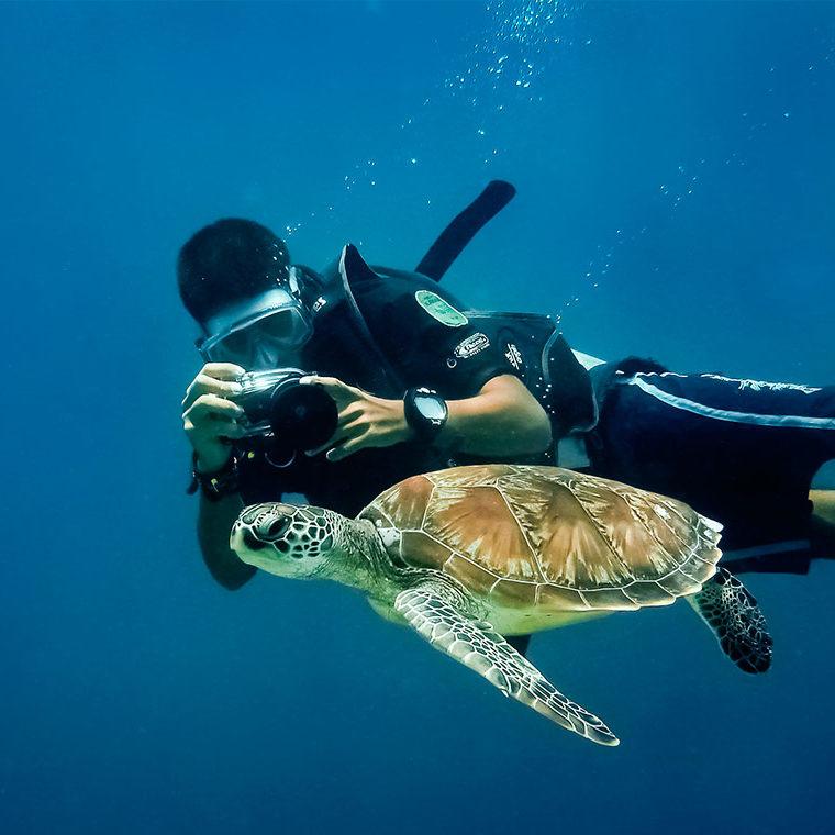 Comienza con el submarinismo a descubrir un nuevo mundo